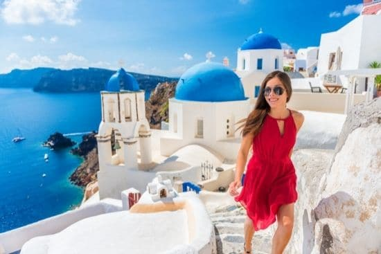 DEEP DIVE IN SANTORINI  Leave your hectic life behind for a few days in beautiful Santorini. Explore the volcanos, small islands and wineries.
